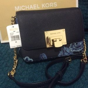New $240 AUTHENTIC CROSSBODY CLUTH MICHAEL KORS
